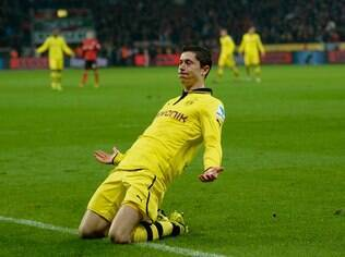 Lewandowski celebra gol do Borussia