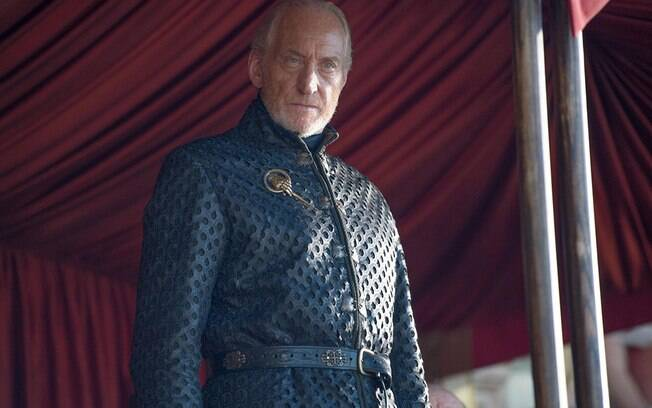 Charles Dance em Game Of Thrones como Tywin Lannister