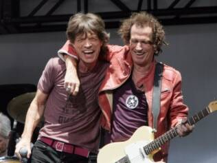 Jagger e Richards: mexendo no baú