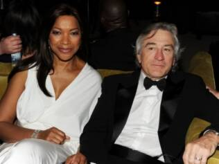 Robert De Niro e Grace Hightower no Globo de Ouro 2011