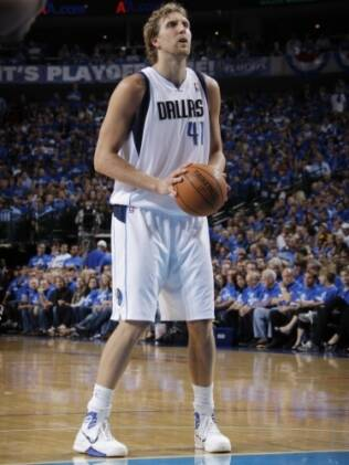 Dirk Nowitzki, ala-pivô do Dallas Mavericks