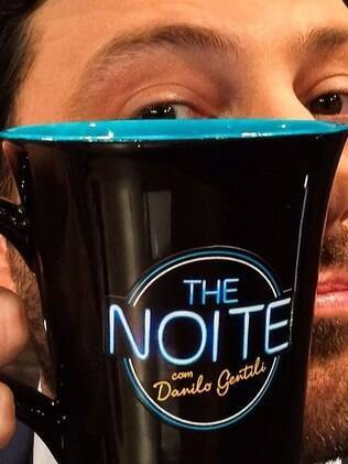 "Danilo Gentili made his debut in ""The Noite"" on SBT"