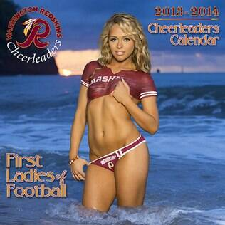 Cheerleader do Washington Redskins na capa do calendário de 2013
