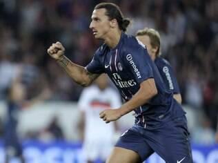 Ibrahimovic celebra gol do PSG