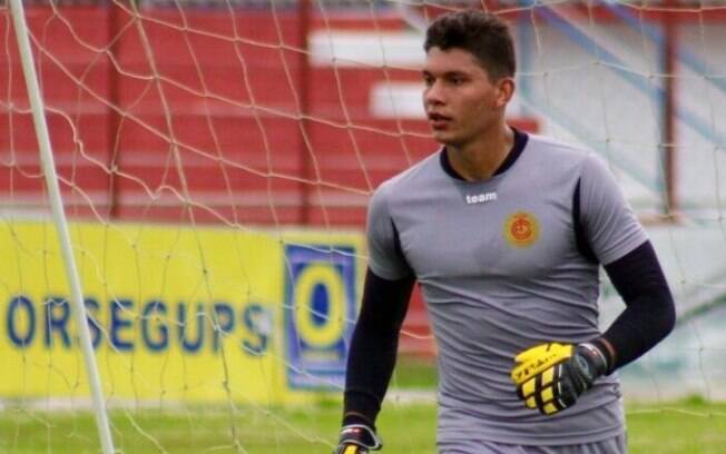 Neto Volpi, goleiro do Inter de Lages