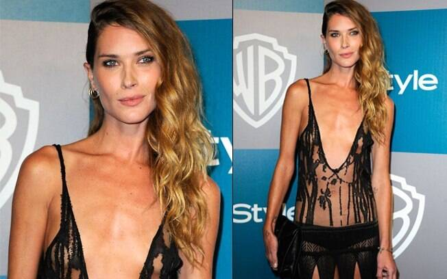 Erin Wasson: look transparente e recortado