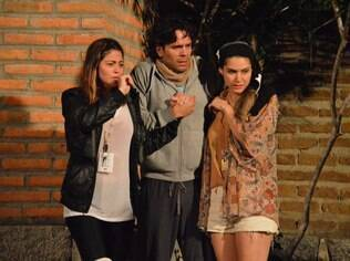 "Carol Castro, Carlos Machado and Fernanda Machado rehearse ""The Passion of Christ"""