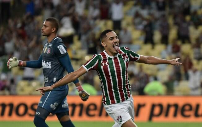 gilberto comemora gol do fluminense