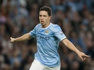 Nasri comemora seu gol, o quarto do Manchester City sobre o Newcastle