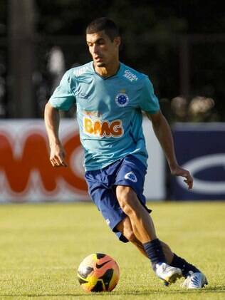 Egídio, lateral-esquerdo do Cruzeiro