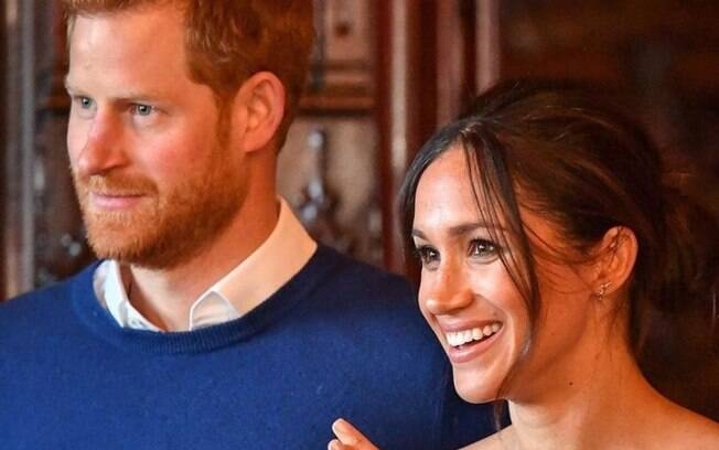Príncipe Harry e Meghan Markle anunciam