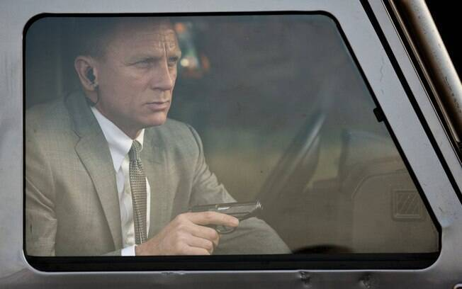 Daniel Craig interpreta James Bond em